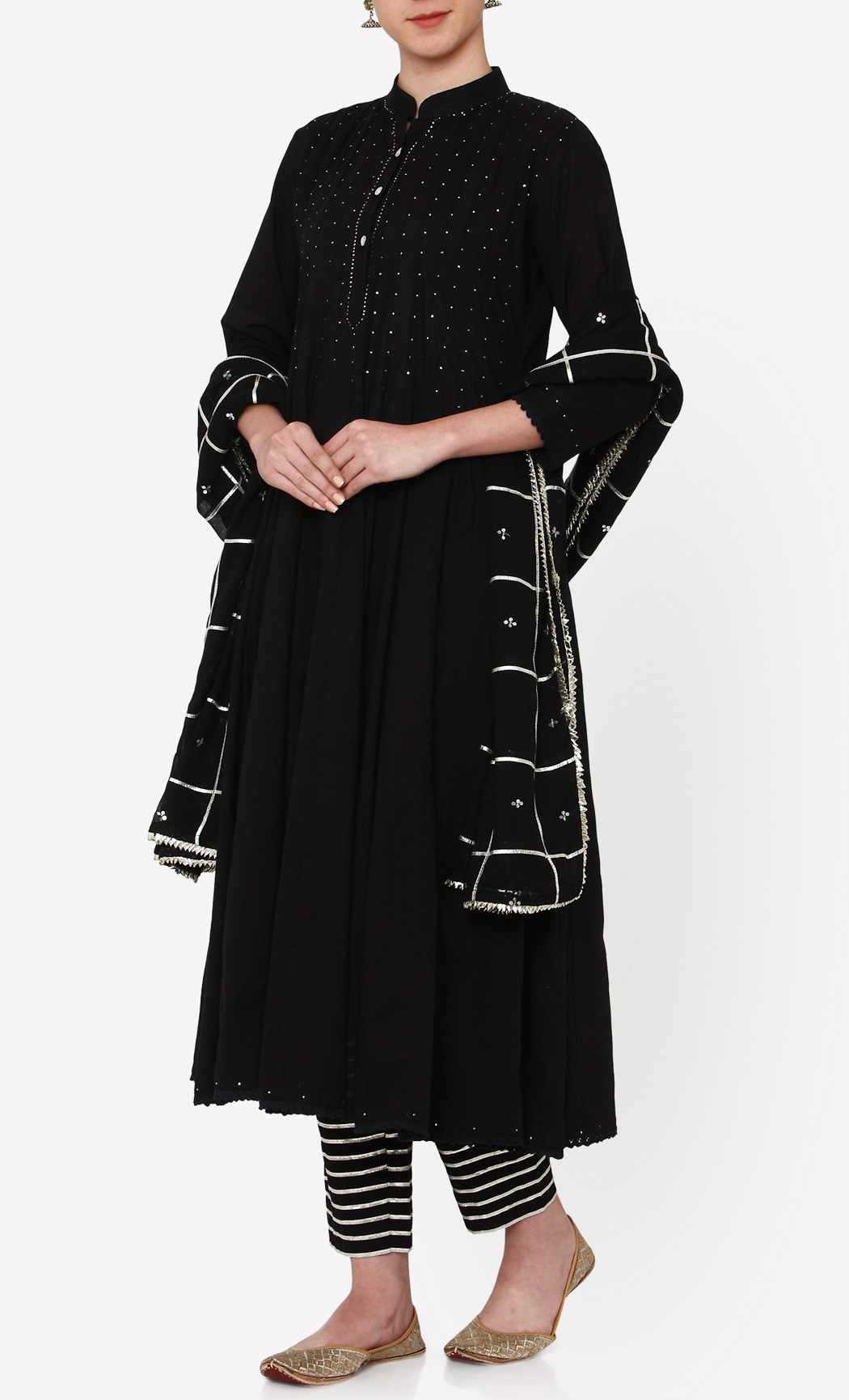Zubeida Black Kurta and Pants Set. Buy Online.