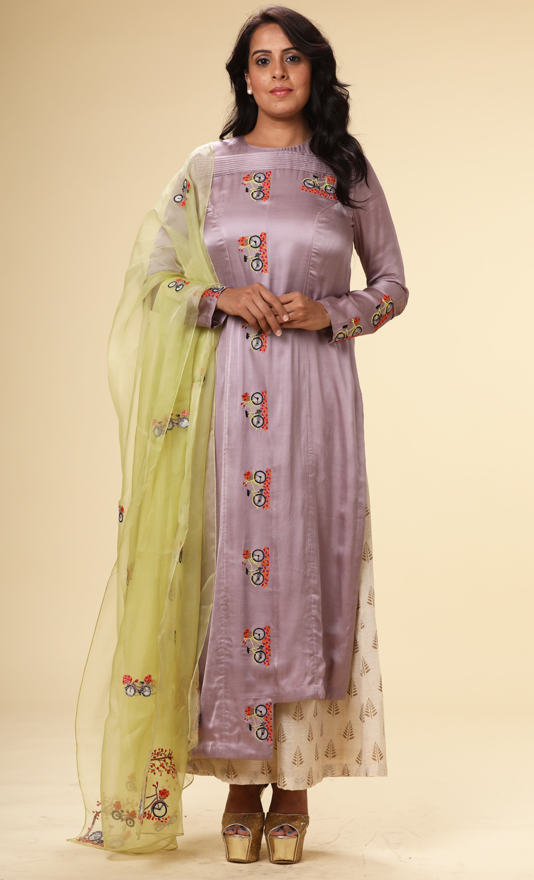 Purple Embroidered Kurta with a Green Dupatta and Pants - Buy Online
